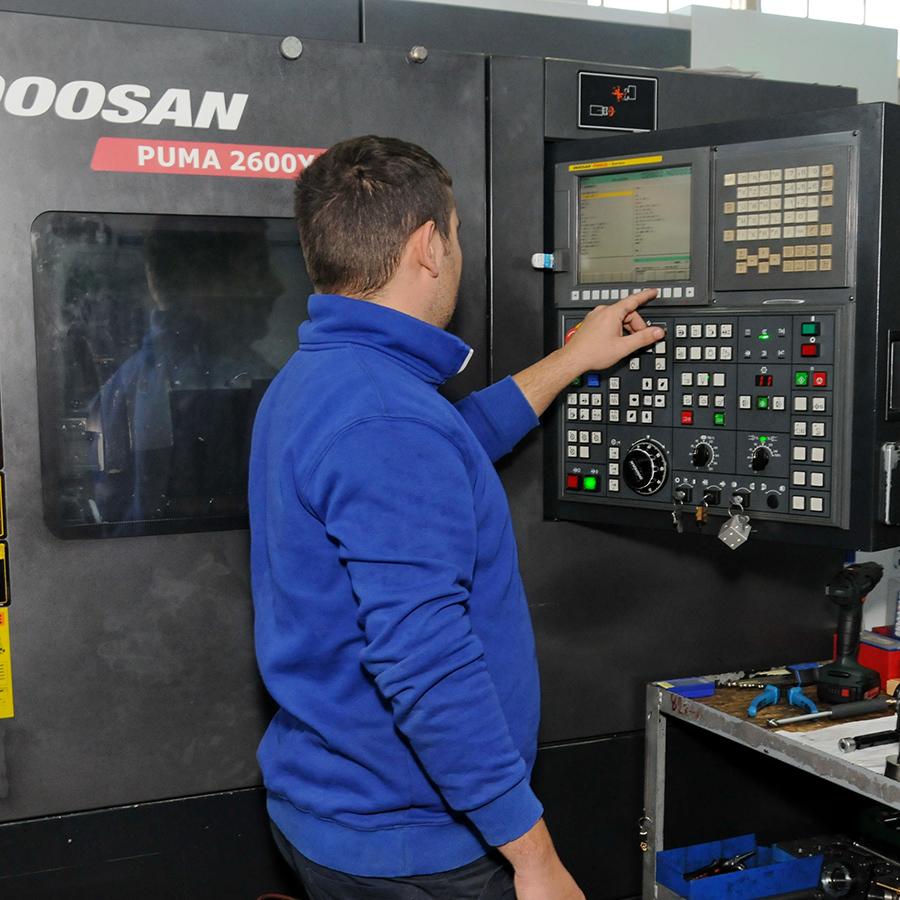 Tecnici qualificati per la programmazione CNC